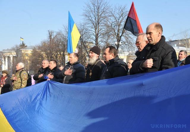 ВКиеве отслужили молебен умонумента Героям Небесной Сотни